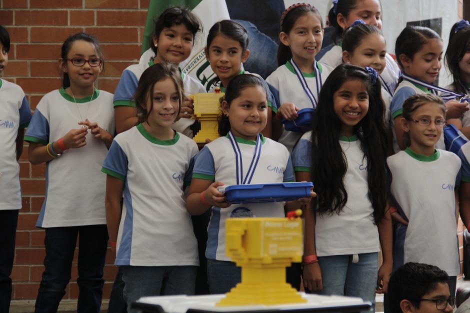 """Las niñas del colegio Monte María se impusieron en categoría """"We do"""".(Foto: Fredy Hernández/Soy502)"""