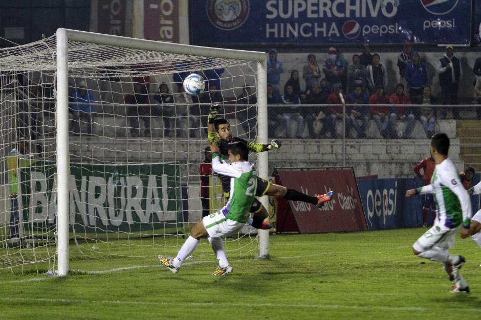 Antigua GFC vence a domicilio a Xelajú con dos goles de Alejandro Díaz y uno más de Agustín Herrera. (Foto: Nuestro Diario)