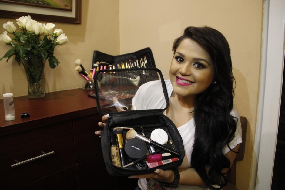 El kit que debes tener en casa para un maquillaje correcto no debe ser el de una profesional.(Foto: Fredy Hernández/Soy502)