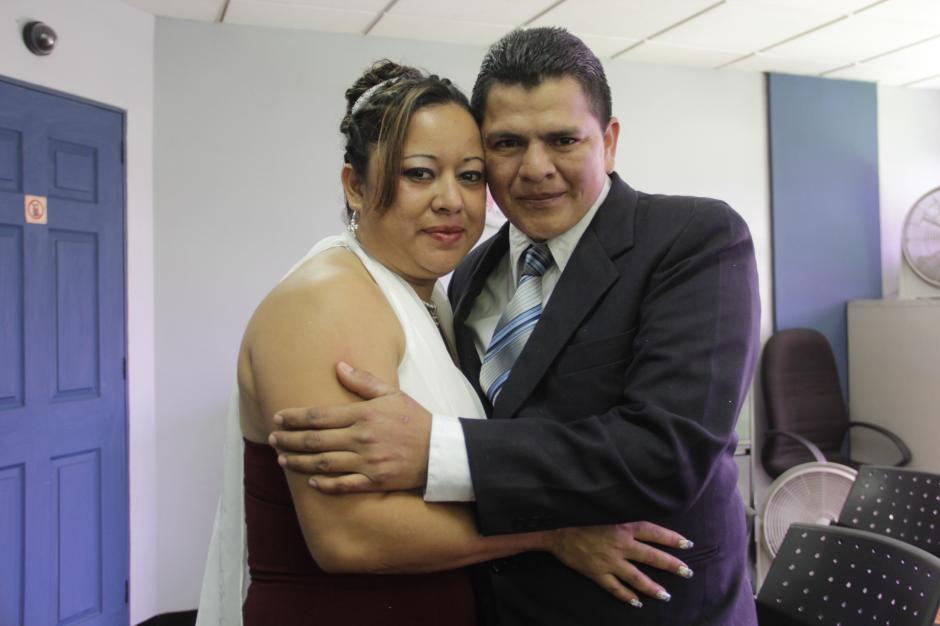 Las parejas llegan por decisión propia para legalizar su unión familiar. (Foto: Fredy Hernández/Soy502)