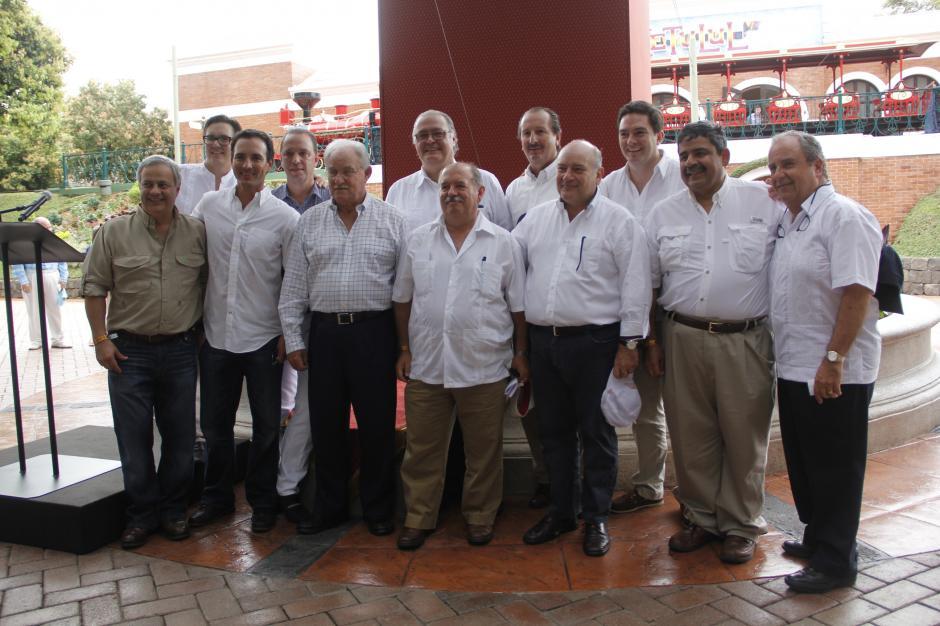 El reconocimiento fue otorgado por cuatro cámaras empresariales que forman parte de la junta directiva del Irtra. (Fredy Hernández/Soy502)