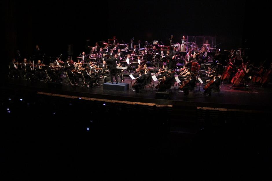 Más de 15 arreglos musicales interpretaron los conjuntos musicales. (Foto: Fredy Hernández/Soy502)