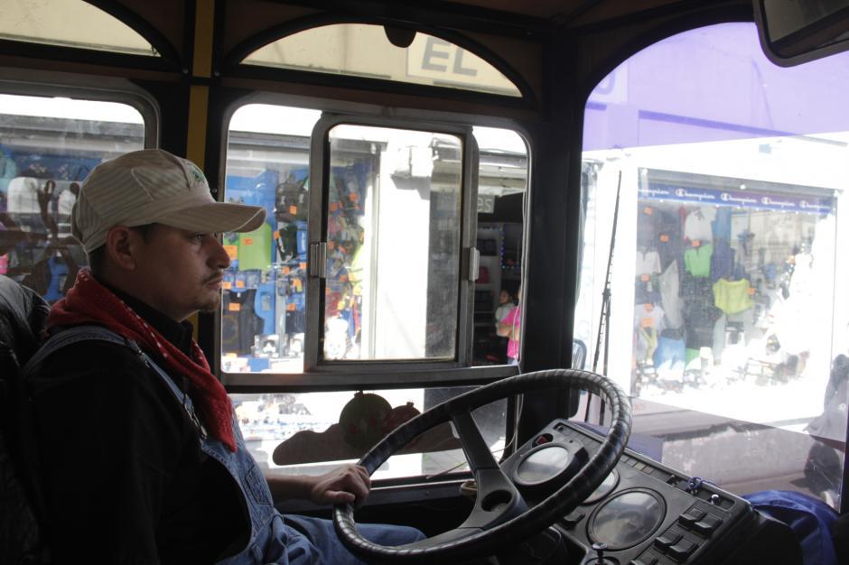 El festival arranca con el recorrido en Trolley Bus desde la Municipalidad. (Foto: Fredy Hernández/Soy502)