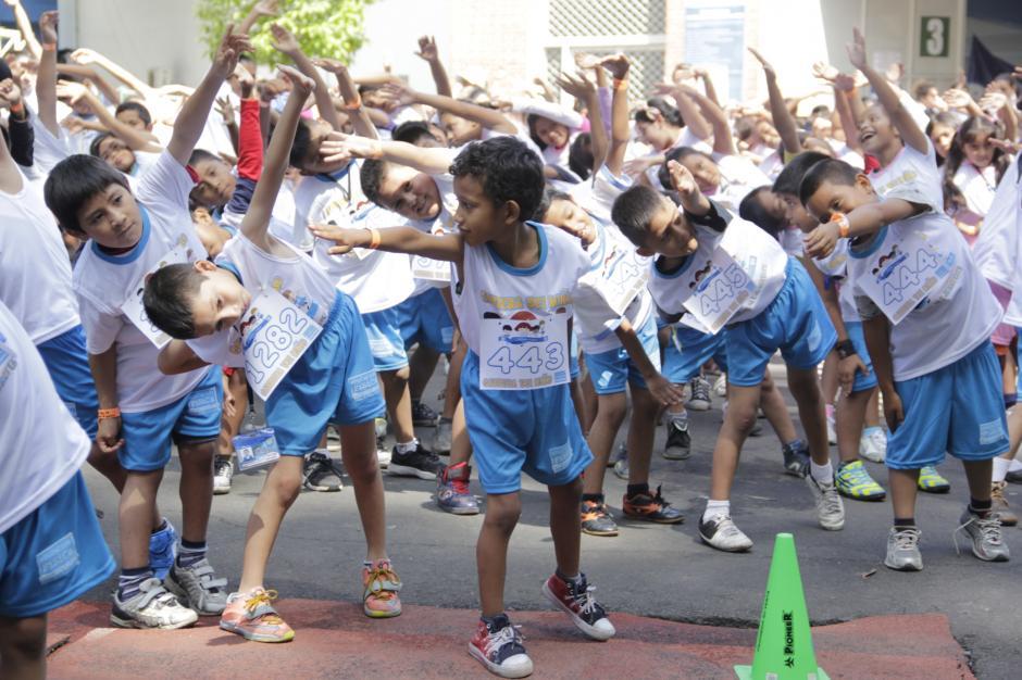 Los niños y niñas de diversos centros educativos de primaria celebraron su día haciendo deporte y conviviendo con nuevos amigos. (Foto: Fredy Hernández/Soy502)