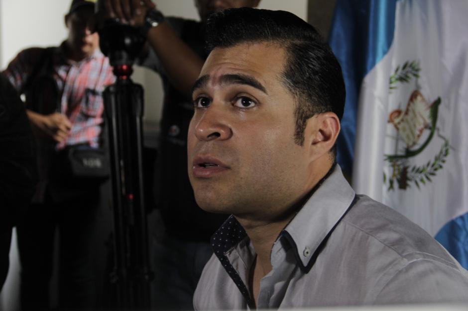 Neto Bran resaltó que la denuncia la hizo la entidad bancaria afectada por la estafa a través de la Muni de Mixco. (Foto: Fredy Hernández/Soy502)