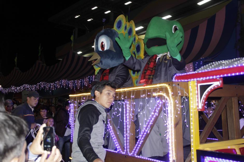 Los personajes del Irtra también participaron del recorrido. (Foto: Fredy Hernández/Soy502)