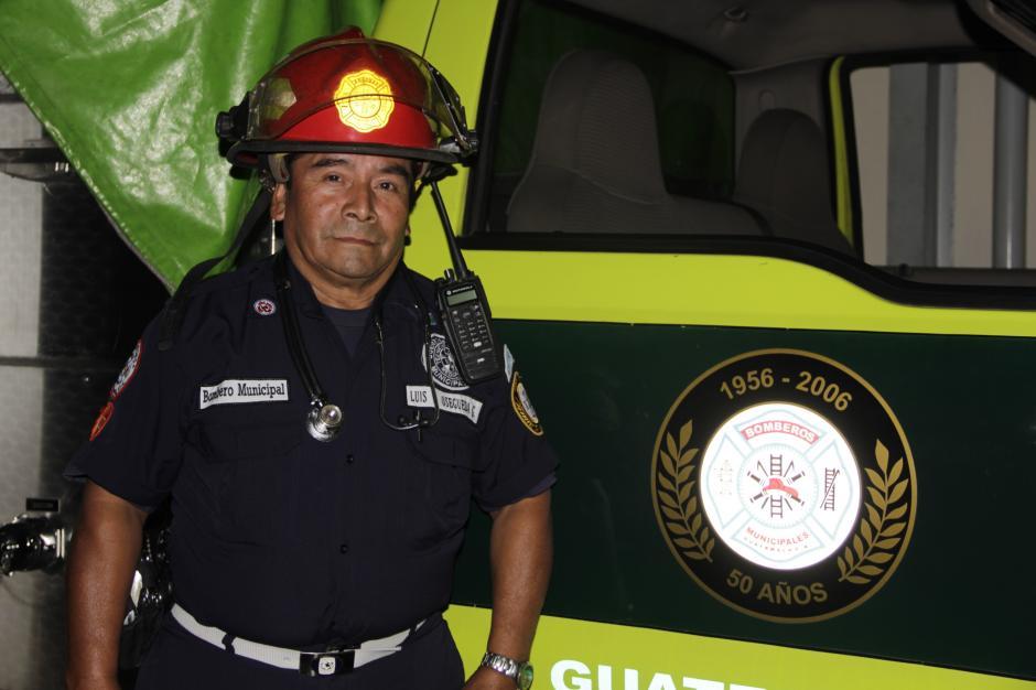 El oficial segundo Luis Felipe Osegueda cumple 53 años este 10 de octubre. (Foto: Fredy Hernández/Soy502)