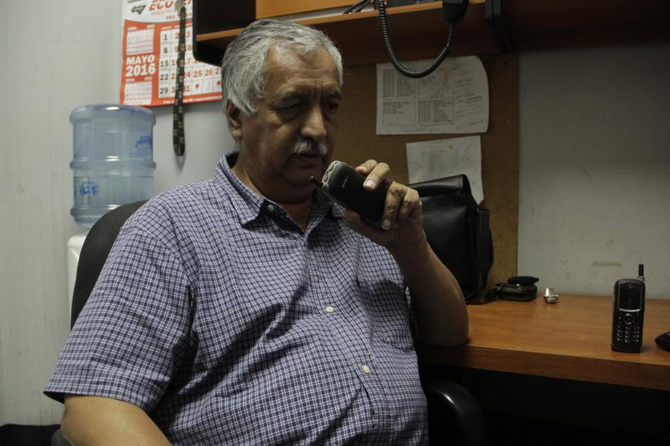 En total, laboran nueve personas no videntes en este departamento de la municipalidad de Guatemala. (Foto: Fredy Hernández/Soy502)