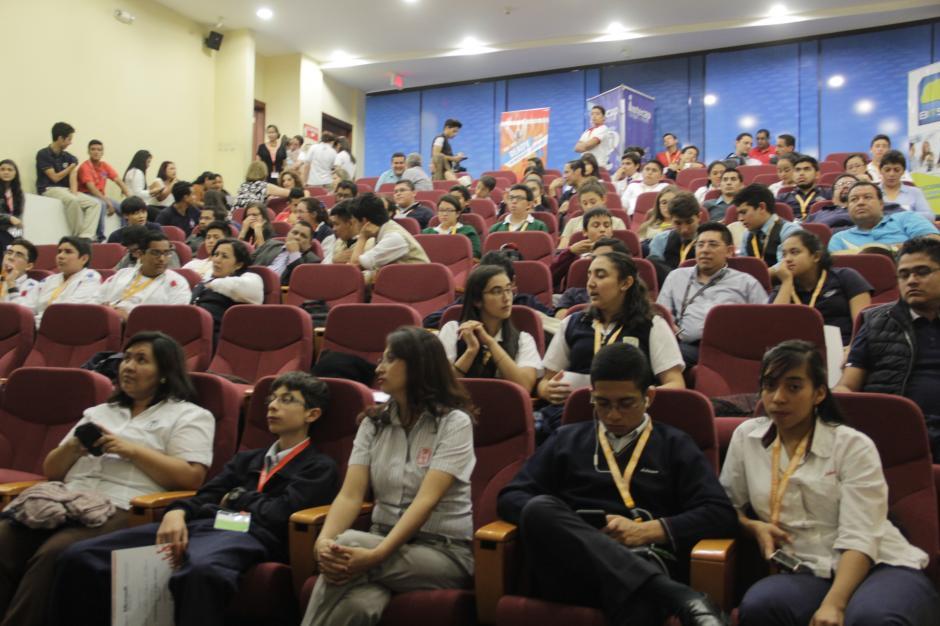 Los estudiantes llegaron de varios centros educativos de todo el país. (Foto: Fredy Hernández/Soy502)