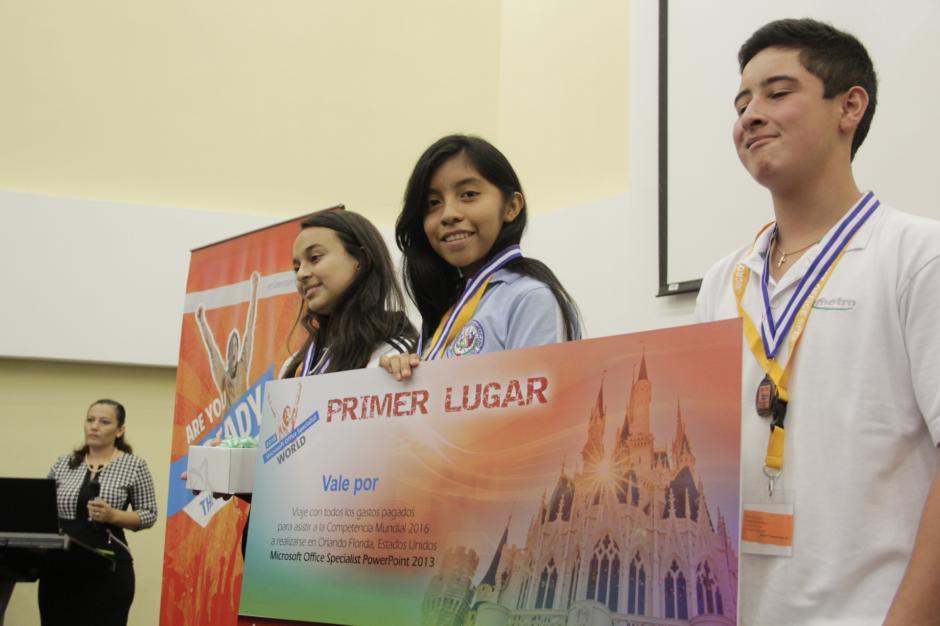 Manuela González fue la ganadora del primer lugar en la especialidad de Power Point en la competencia de Microsoft Office Specialist 2016. (Foto: Fredy Hernández/Soy502)