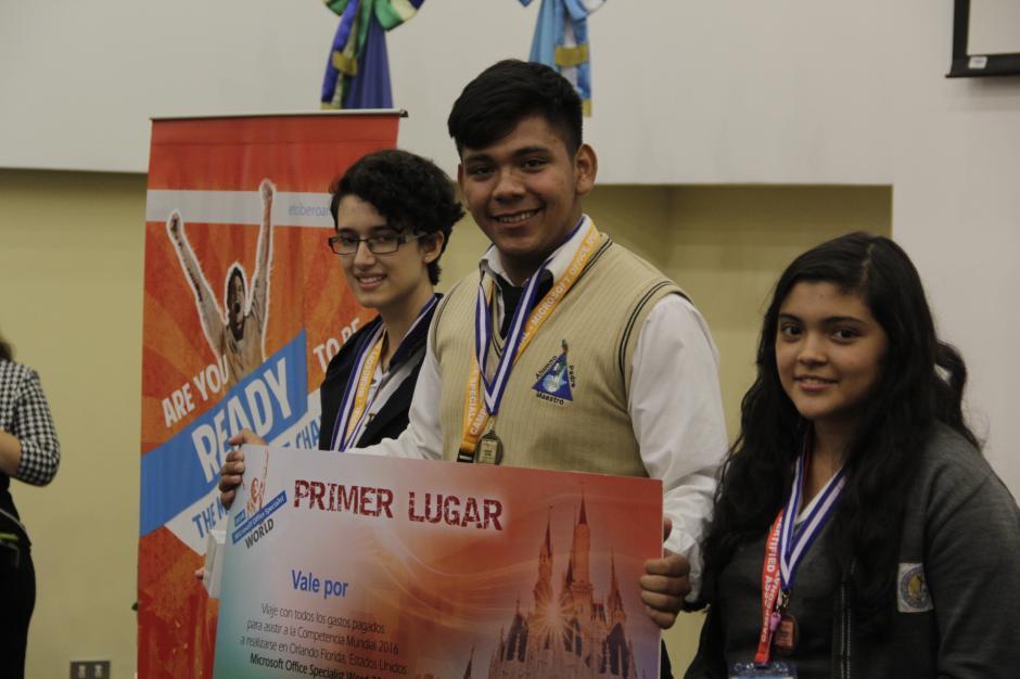Kevin Maldonado obtuvo la mejor calificación en Word 2013. (Foto: Fredy Hernández/Soy502)