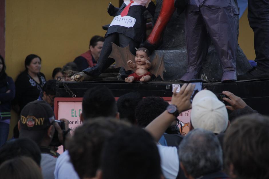 El hijo de la Diabla también fue incinerado. (Foto: Fredy Hernández/Soy502)