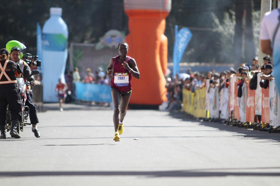 Kimayo, la corredora keniana que fue la primera en su categoría. (Foto: Gustavo Rodas/Nuestro Diario)