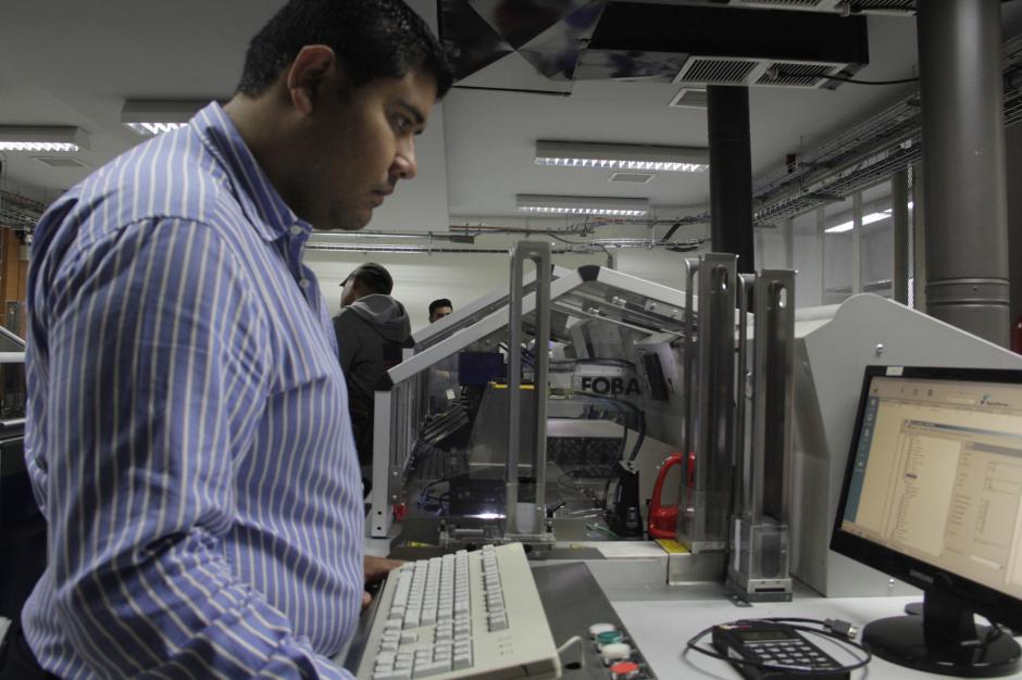 Serán tres las impresoras que estarán a disposición del Renap. (Foto: Fredy Hernández/Soy502)