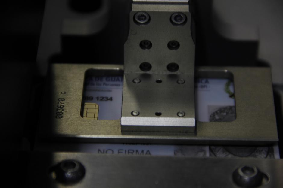 Con el funcionamiento de estas máquinas se imprimirán 17 mil DPI diarios. (Foto: Fredy Hernández/Soy502)