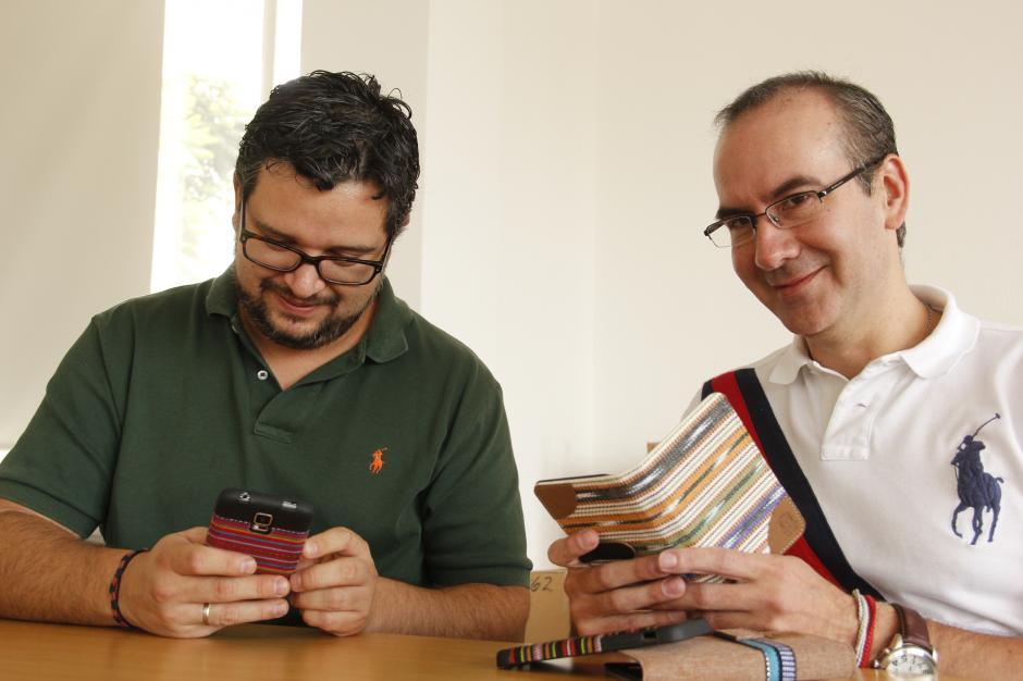 Eduardo y Juan José son los impulsores de este paso para llevar su arte a otro continente.(Foto: Fredy Hernández/Soy502)