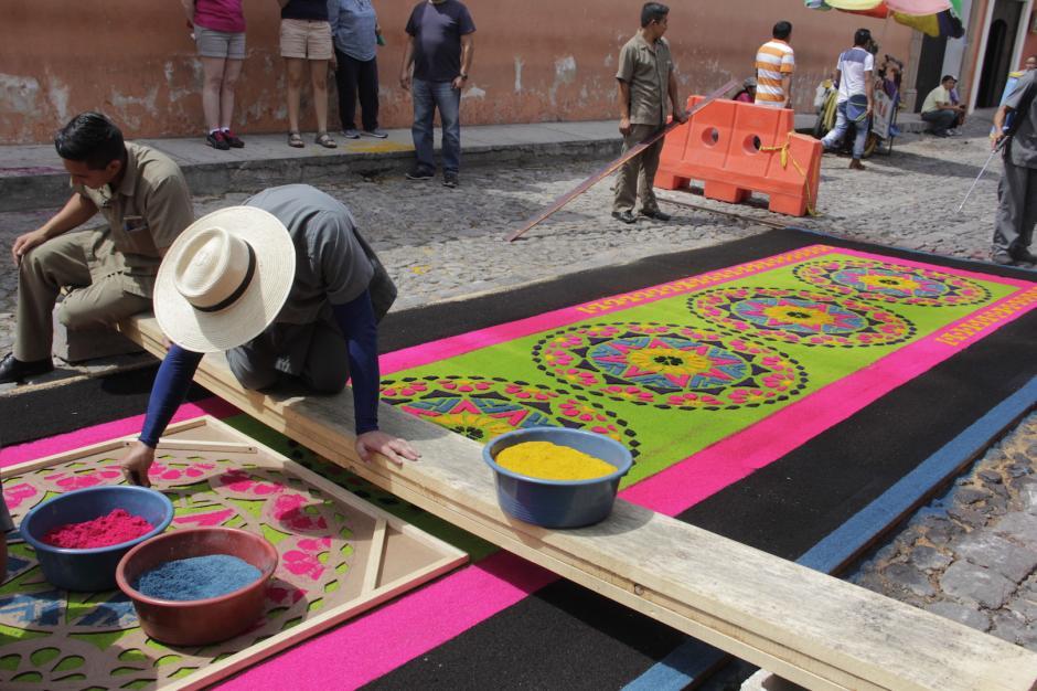 Los colores resaltaban sobre las calles empedradas. (Foto: Fredy Hernández/Soy502)