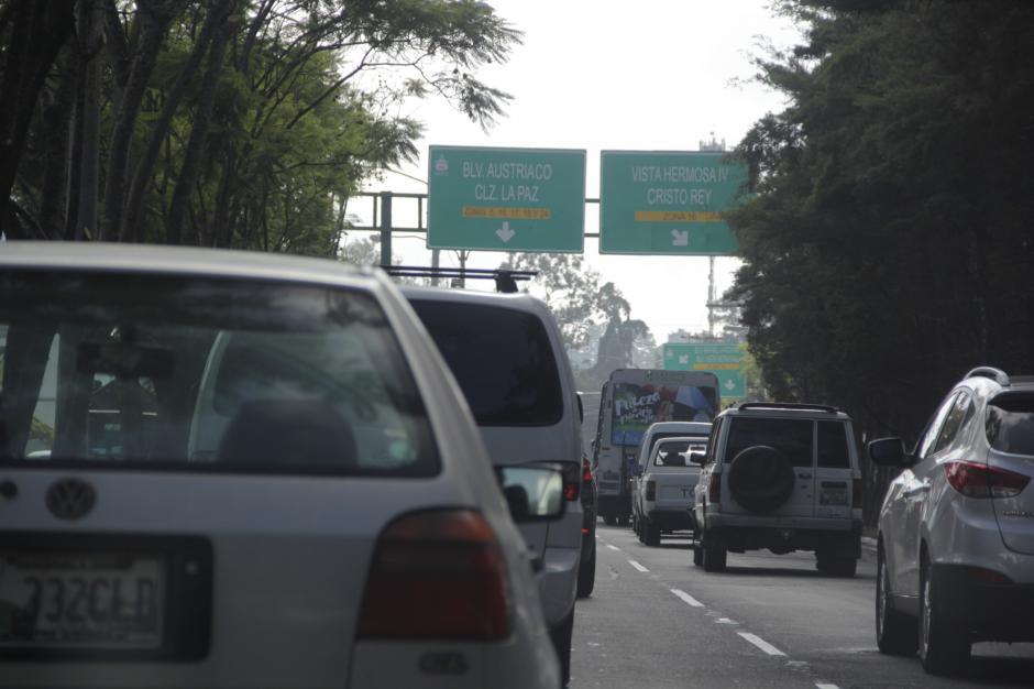 La idea es que los padres eviten congestionamientos al llevarlos en carros particulares a los centros de estudios. (Foto: Fredy Hernández/Soy502)