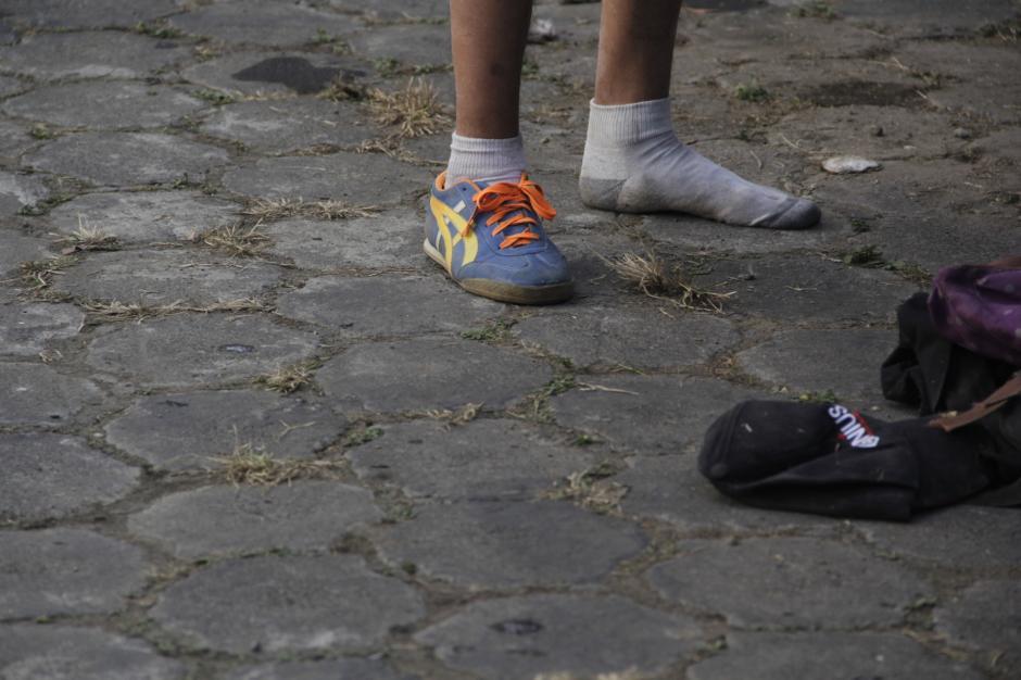 Uno de los detenidos perdió su zapato en el intento de escape. (Foto: Fredy Hernández/Soy502)