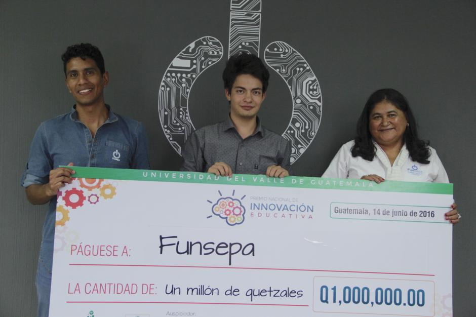 El equipo de Funsepa obtuvo recientemente el Premio Nacional de Innovación Educativa promovido por la Universidad del Valle. (Foto: Fredy Hernández/Soy502)