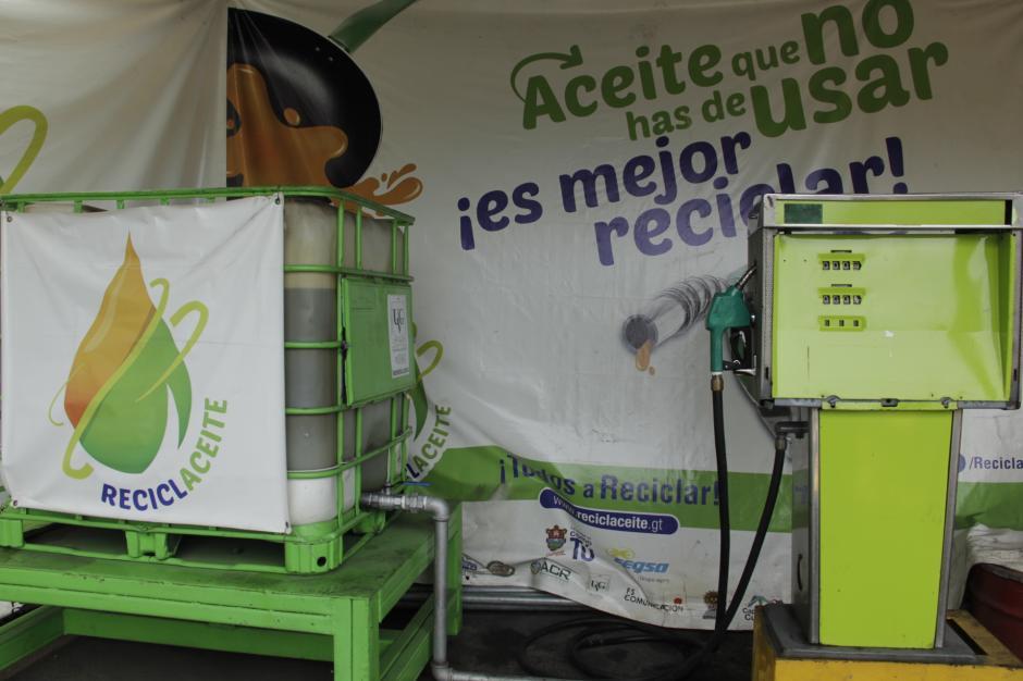 El biodiesel se subministra en la gasolinera municipal de la zona 2. (Foto: Fredy Hernández/Soy502)