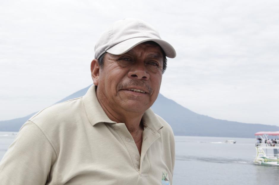 Don Hugo Rosales es el piloto del Crucero y tiene experiencia en la conducción de navegaciones de gran magnitud. (Foto: Fredy Hernández/Soy502)