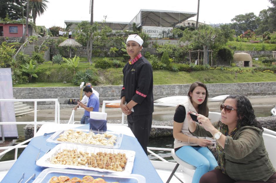 El Crucero ofrece servicio de comidas y bebidas en el paquete completo. (Foto: Fredy Hernández/Soy502)