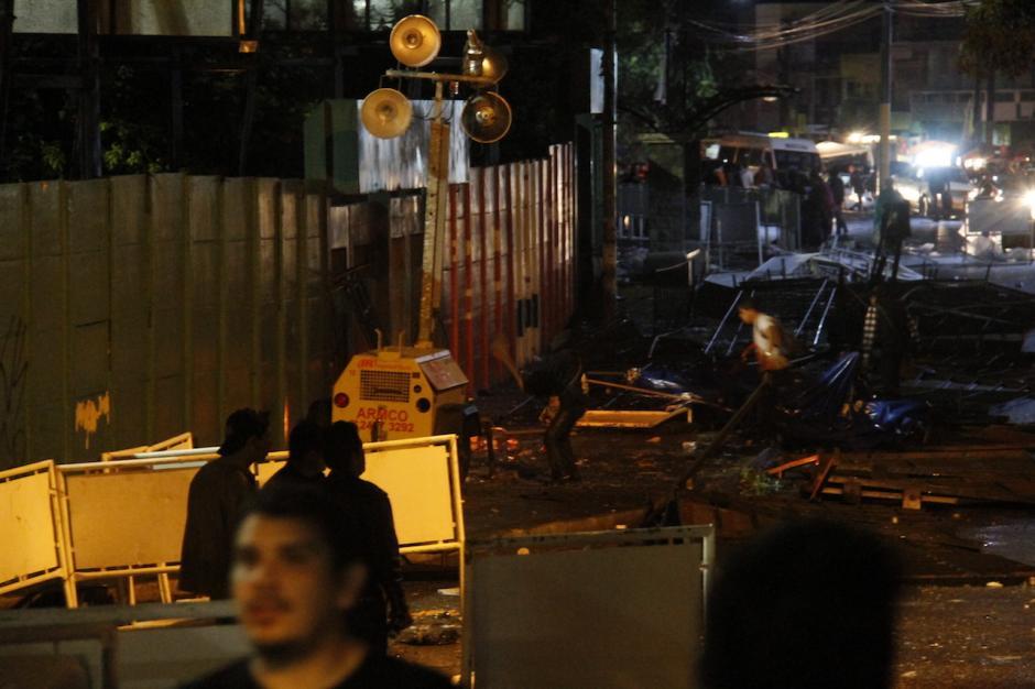 Según testigos, los incidentes empezaron cerca de las ocho de la noche. (Foto: Carlos Duarte/Nuestro Diario)