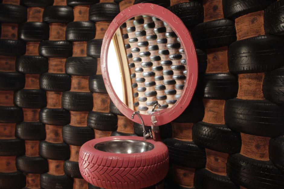 El lavamanos y el espejo son de ensueño. (Foto: Fredy Hernández/Soy502)