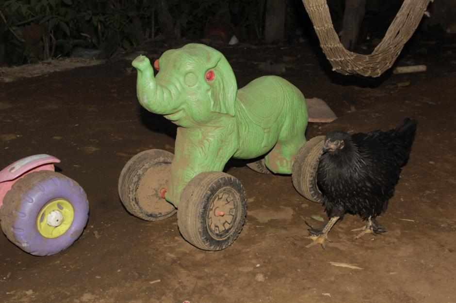 Después de la escuela, a los niños les gustaba divertirse con sus juguetes. (Foto: Fredy Hernández/Soy502)