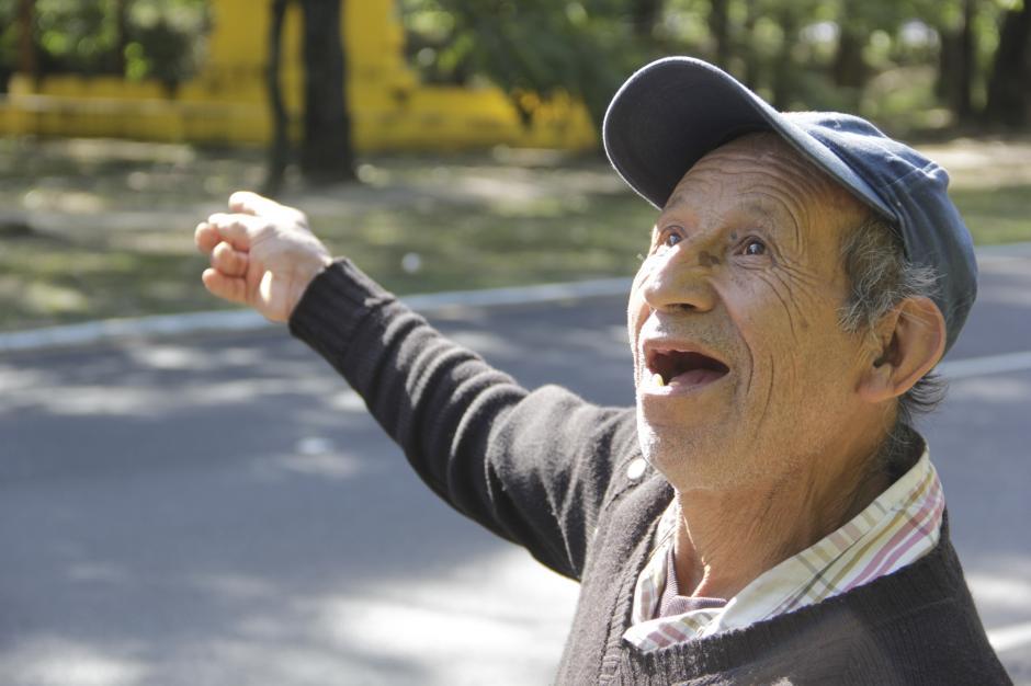 Vidal debe llevar el sustento a su hogar, pero no todos los días recibe el apoyo necesario. (Foto: Fredy Hernández/Soy502)