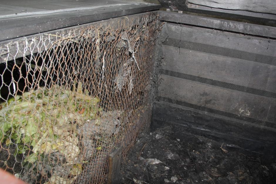 Los desechos son depositados en los cajones para que lleven un proceso de descomposición. (Foto: Fredy Hernández/Soy502)