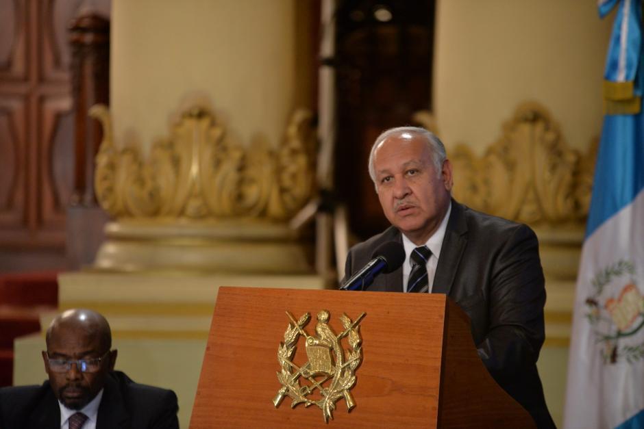 El Ministro de Comunicaciones Aldo Estuardo García Morales informó que en 2017 se habilitarán dos nuevos aeropuertos. (Foto: Wilder López/Soy502)