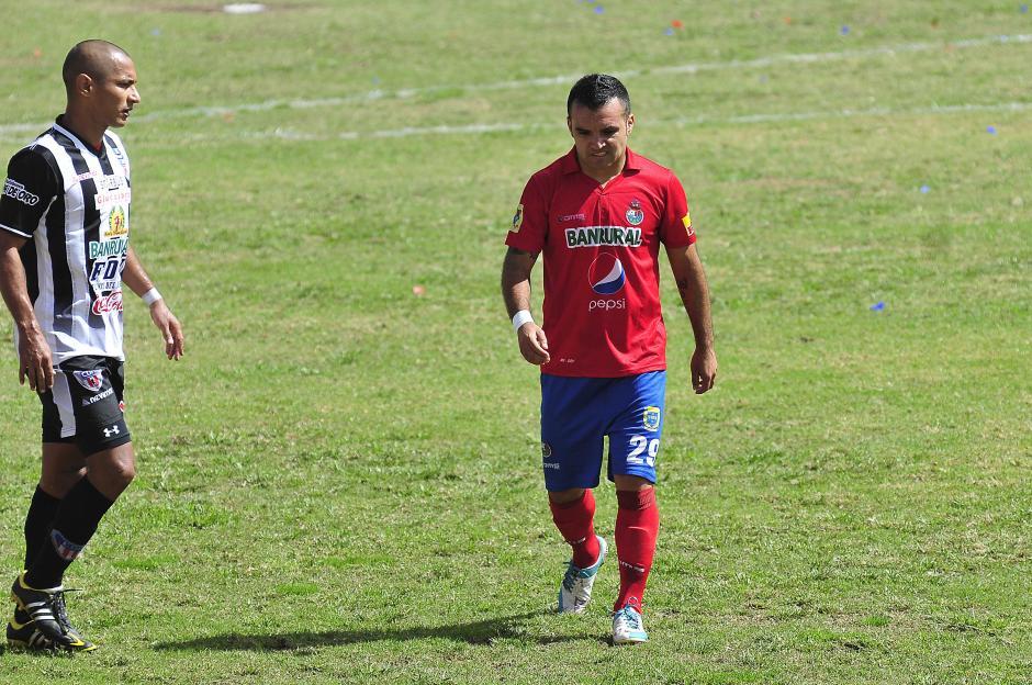 Los jugadores rojos no pudieron remontar el 3 a 0 que Heredia les propinó en Morales, Izabal. (Nuestro Diario)