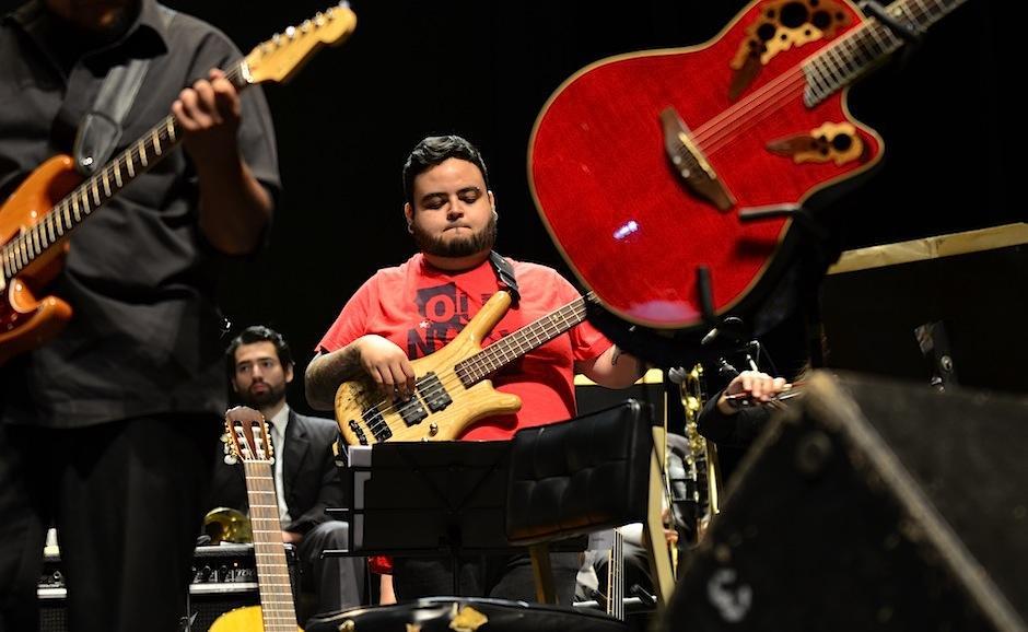 Las guitarras no podían faltar. (Foto: Selene Mejía Soy502)