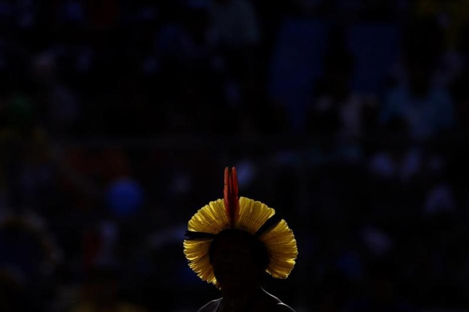 Un indígena brasileño de la etnia Kayapo participa en la modalidad de Arco y Flecha. (Foto: EFE)