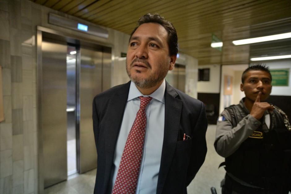 El abogado de Rivera, César Calderón también es defensor de Otto Pérez Molina.  (Foto: Wilder López/Soy502)