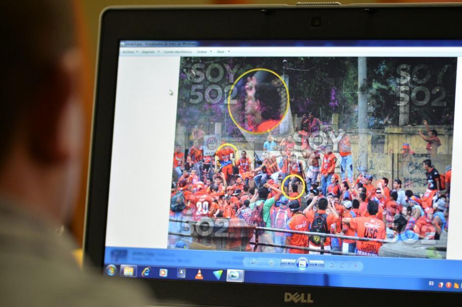 En el juicio se presentaron fotografías de Soy502 que captaron el momento de la trifulca. (Foto: Wilder López/Soy502)