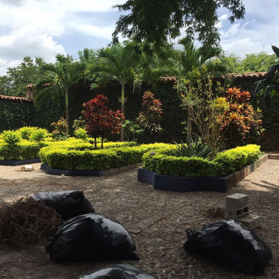 Vista de los jardines de la residencia de Chico Dólar quien guarda prisión por el delito de lavado de dinero. (Foto: MP)