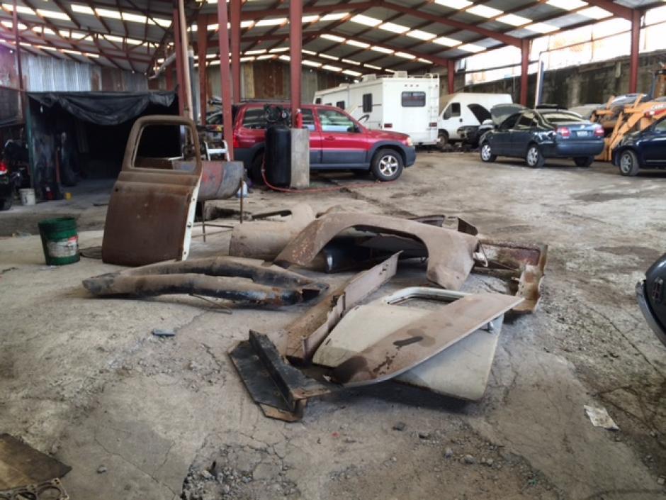 Así fueron compradas las partes del auto. (Foto: Pepe Cohen)