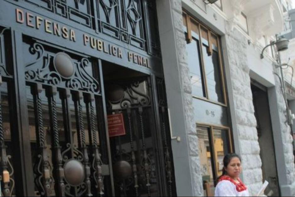 Un abogado de la Defensoría Pública asistió a Pezzarossi en 16 de los 32 días que duró la audiencia de primera declaración. (Foto: Archivo/Soy502)