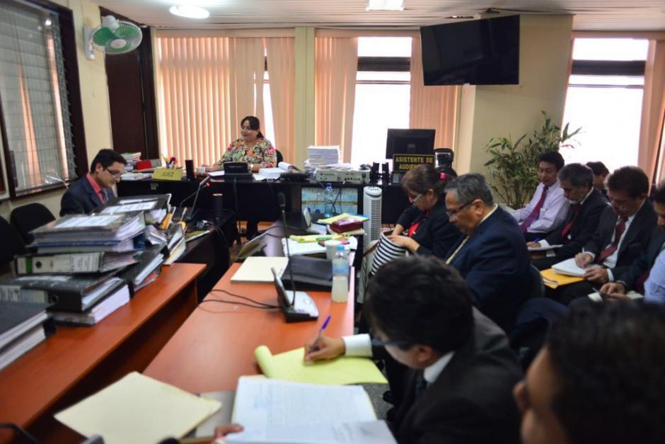 La audiencia se realiza en una de las salas más pequeñas de Tribunales. (Foto: Jesús Alfonso/Soy502)
