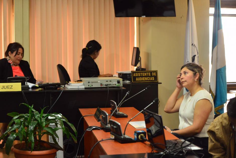 Abdy Estrada, exsuegra del hijo de Jimmy Morales, declaró ante jueza por el caso Botín Registro de la Propiedad. (Foto: Jesús Alfonso/Soy502)