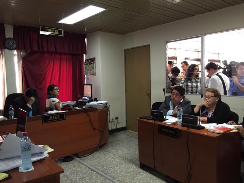"""En 2014 el abogado Eddy Siu le suplicó a Martha Sierra por la libertad de Marlon Puente """"Pirulo"""", hoy es su pareja defensora. (Foto: Jesús Alfonso/Soy502)"""