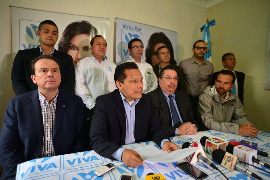 Los abogados de Zury Ríos dieron a conocer la ruta administrativa que seguirán en el TSE. (Foto: Wilder López/Soy502)