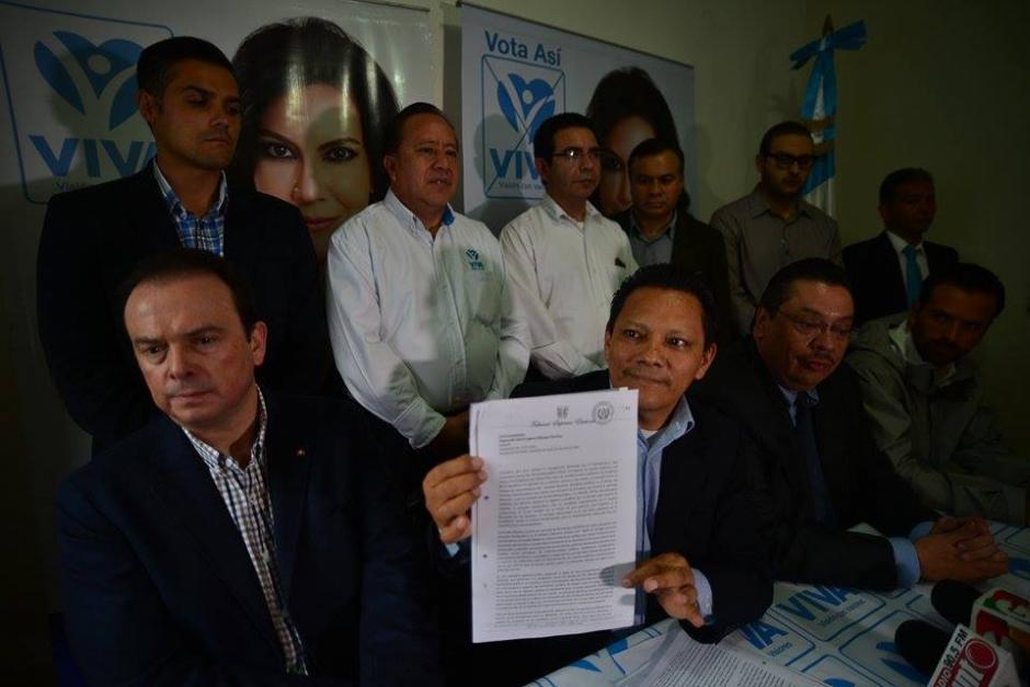 Los abogados presentaron la documentación que el TSE les trasladó. (Foto: Wilder López/Soy502)