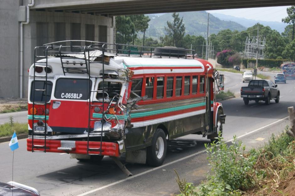 Dos autobuses chocaron en la ruta Interamericana, (Foto: Bomberos Municipales Departamentales)