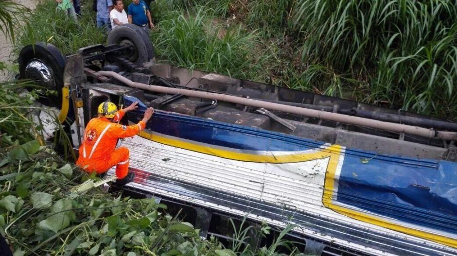 Al menos 25 personas resultaron heridas en el percance vial. (Foto: @Noticiaspanoram)