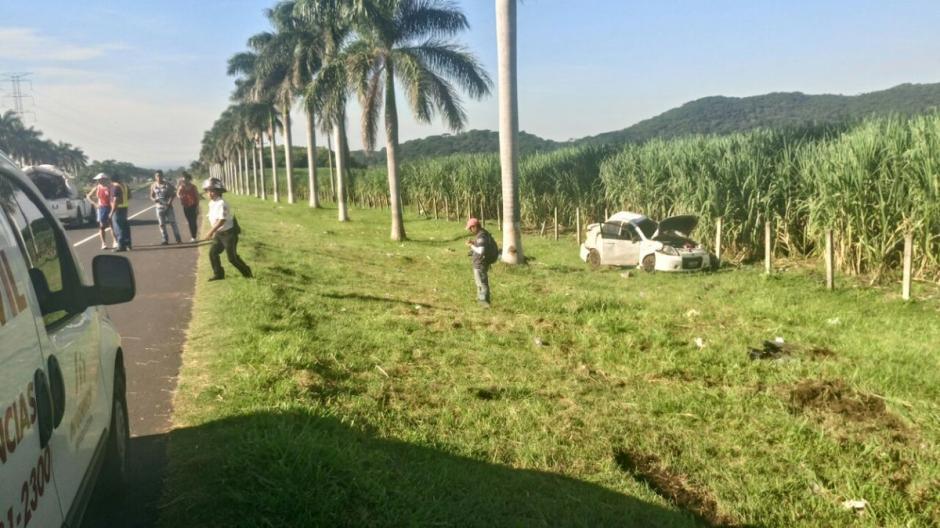 Provial informó que se encuentran a la espera de grúas que retiren los vehículos. (Foto: @Provial)