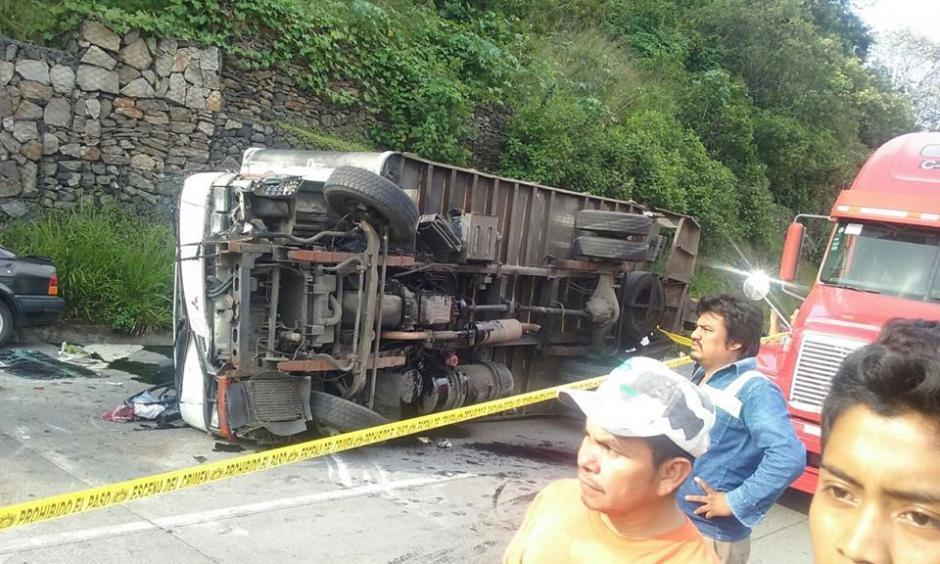 Este es otro de los vehículos involucrados en el accidente de tránsito. (Foto: Facebook/Pampichi News Amatitlan)
